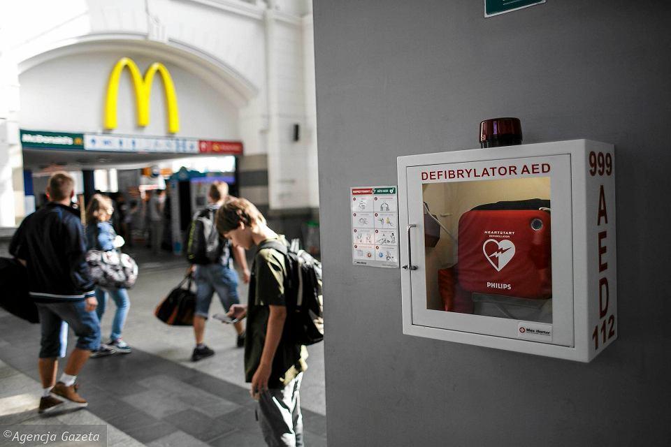 AED dworzec